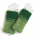 [Fingerless Mittens/Wristwarmers - click to enlarge]
